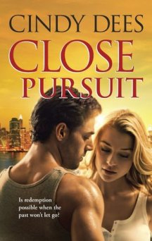 Close Pursuit- Cindy Dees cover